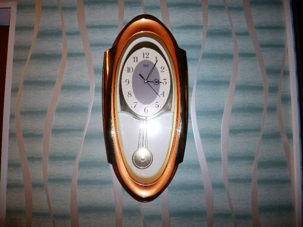 Часы настенные с маятником ( на стену )