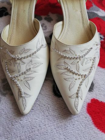 Свадебные туфли, босоножки и ПЛАТЬЕ