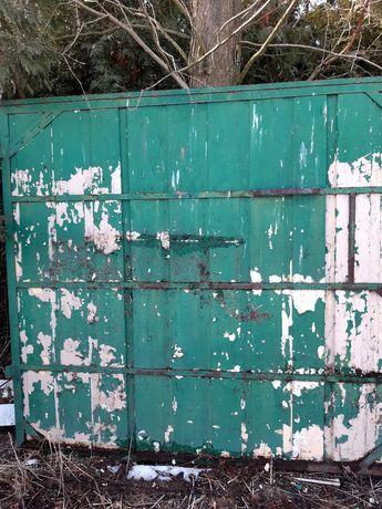 Drzwi z płyty warstwowej