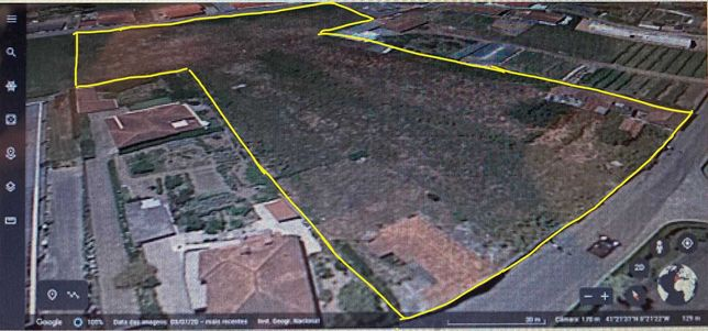 Terreno Urbano com 8300m2 e 4 artigos em S. Martinho Campo