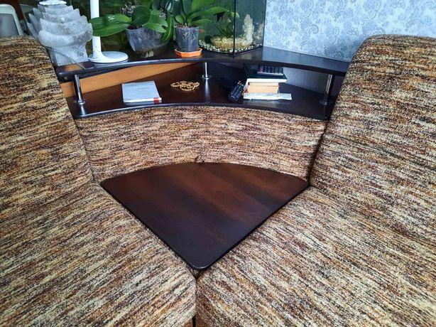 Диван угловой столик