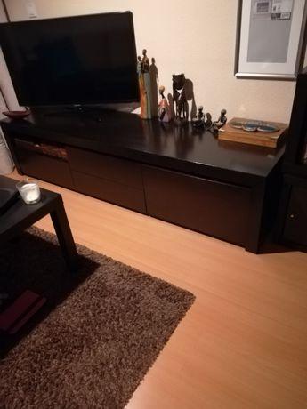 Aparador de TV e prateleira+mesa+6 cadeiras+2 móveis p/arrumos.