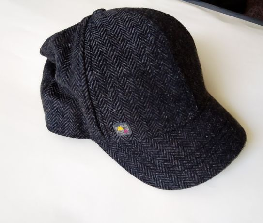 Dzianinowa damska czapka z daszkiem CROPP