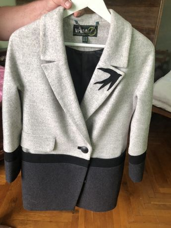 Пальто жіноче