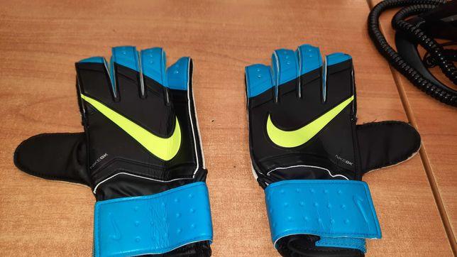 Rękawice bramkarskie Nike rozmiar 9
