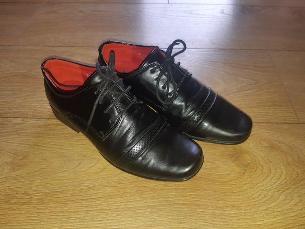 Pantofle komunijne 37