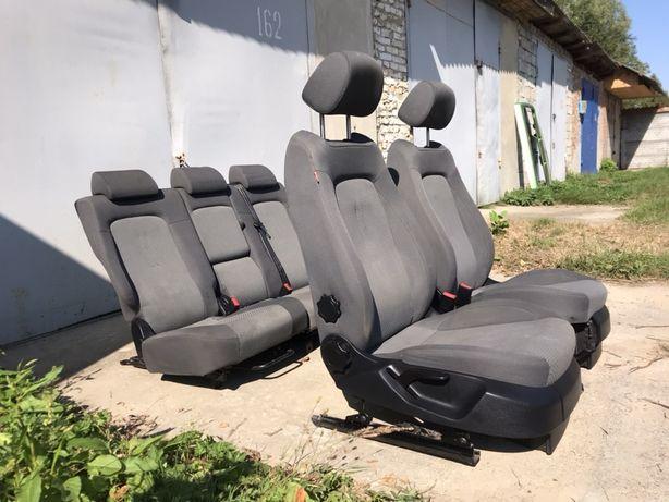 Сидения Салон Сидушки Caddy Combo Berlingo Connect Partner