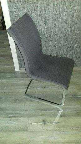 Sprzedam komplet 4 krzeseł