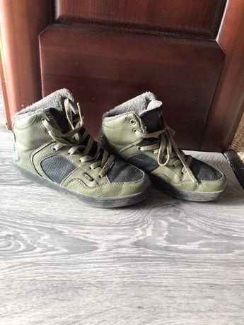 Продам черевики