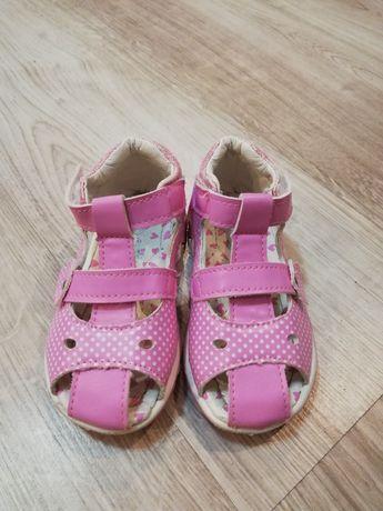 Sandałki dla dziewczynki rozmiar 23