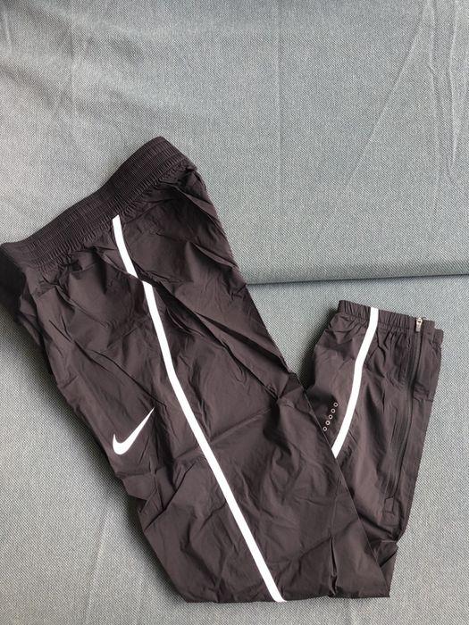 Sportowe, cienkie spodnie Nike Warszawa - image 1