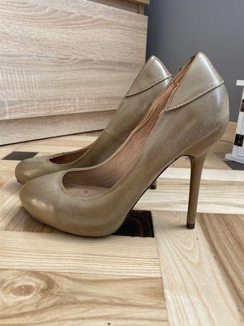 buty szpilki damskie czółenka beżowe nude Stradivarius 40 platforma
