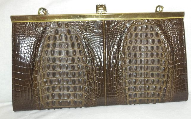 Коричневая сумочка на цепочке