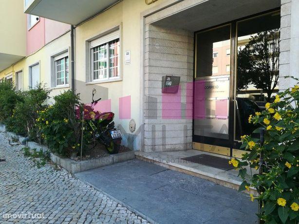 Apartamento T2 Pontinha - Com Excelente Terraço