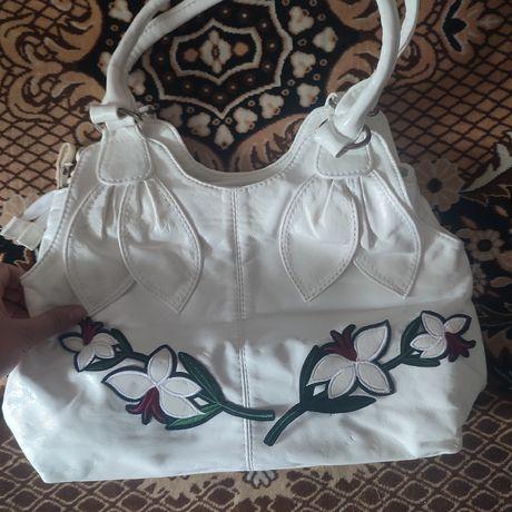 Жіноча сумка.   .