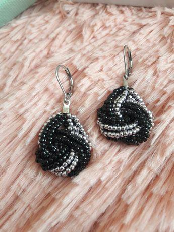 Kolczyki czarno-srebrne z koralików