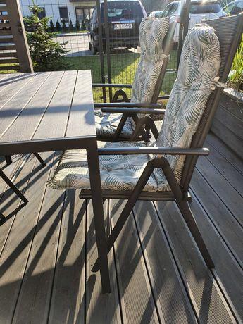 Meble ogrodowe komplet Stół ogrodowy z krzesłami i poduchami