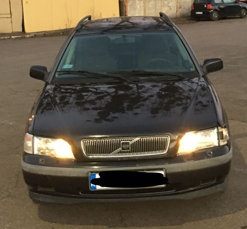 Volvo V40 1.9 D rok 1998 klima Hak oplaty- (Maj oc) (BT Czerwiec) Tani
