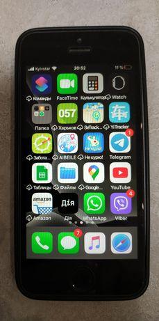 Продам айфон Apple iPhone SE 16Gb б\у серебристый идеальный в чехле