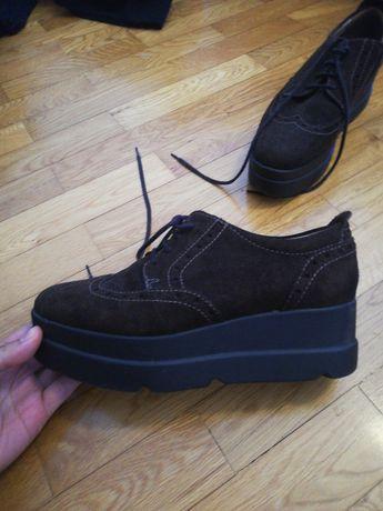 Sapatos castanhos n 38