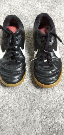 Buty sportowe Nike r.35