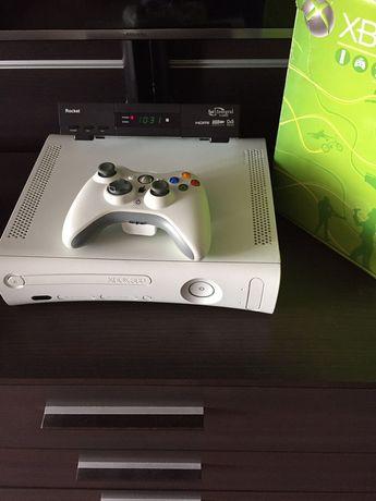Приставка консоль Xbox 360 arcade