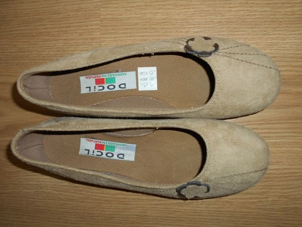 Sapatos novos em pele 36