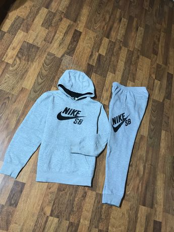 Костюм nike SB не modern tech fleece air jordan