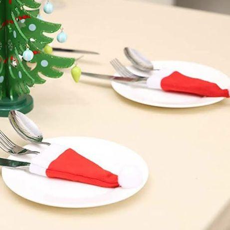 Czapeczki pokrowce etui na sztućce na świąteczny stół
