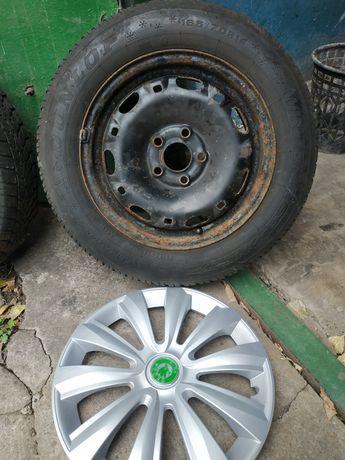 Продам диски R14 165/70  с зимней резиной и колпаками