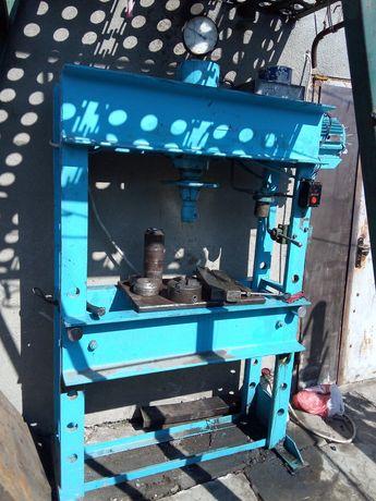 Пресс гидравлический ОКС 1671 прес гибочный станок оборудование на СТО