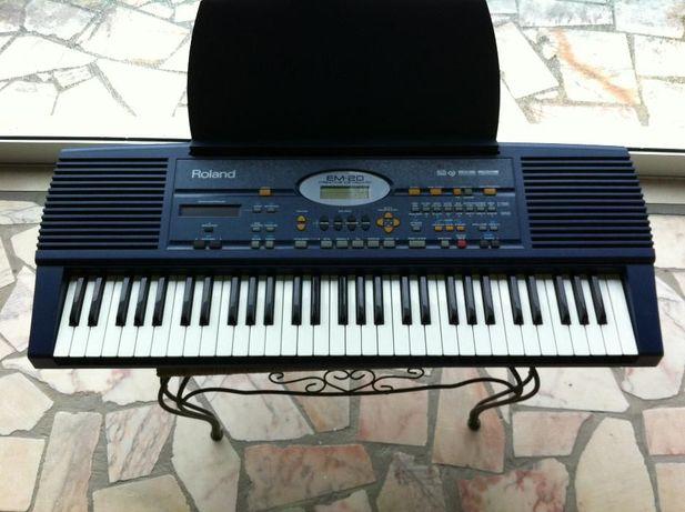 Teclado Roland EM-20