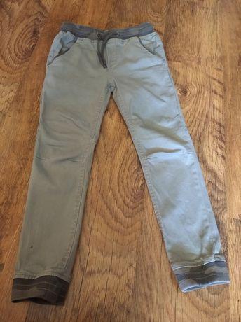 Spodnie chłopięce 134cm