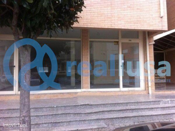 Loja c/ 175 m2 em Canedo, Santa Maria da Feira, Aveiro, Excelentes con