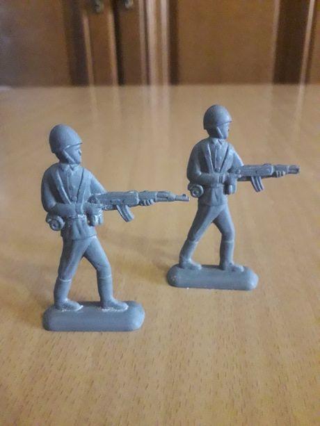 Солдатики оловянные