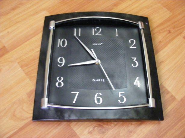 """Часы настенные """"GUARTZ""""."""