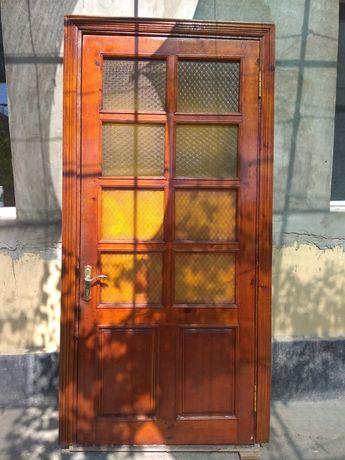 Дверь сосна,дверi,двери,с замком,с коробкой со стеклами