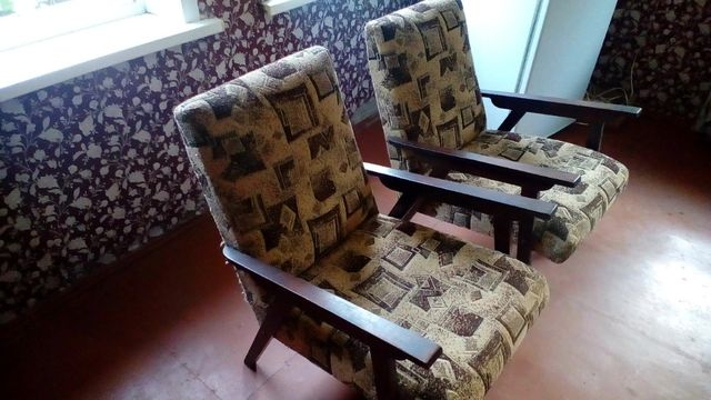Кресла два продам