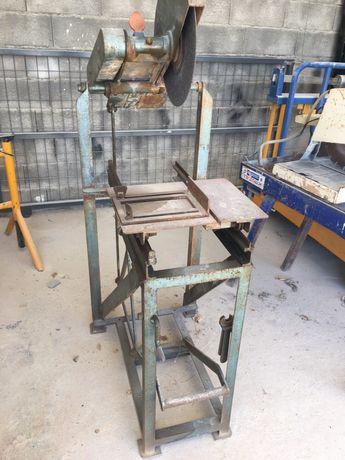 Máquina de corte/serrar