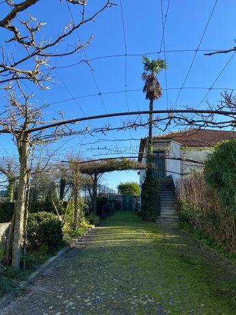 Casa Rústica + terreno 1370m2 a 5 min do centro da cidade Barcelos!