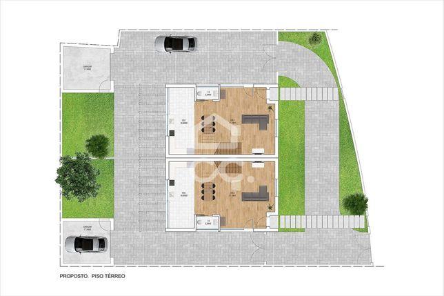 Terreno com 595 m2, para construção de 2 moradias T3   Estremoz
