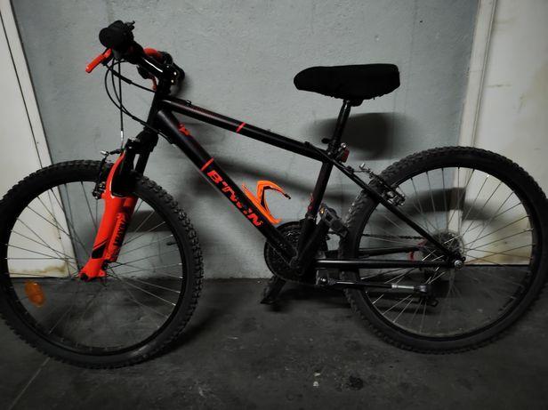 Vendo bicicleta para jovem até aos 12 anos.