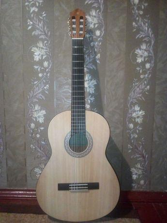 Гитара ЯМАХА C40