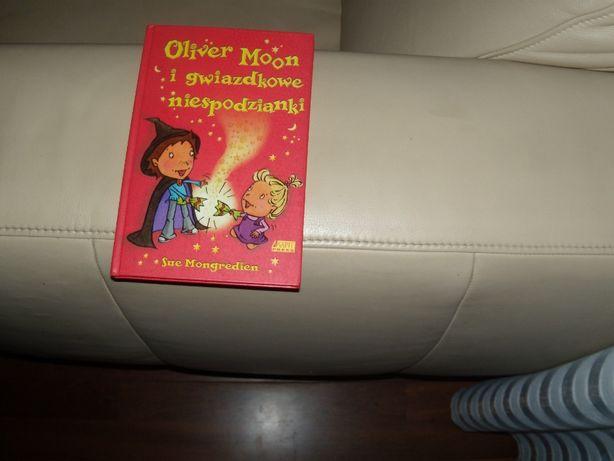 Oliver Moon i gwiazdkowe niespodzianki