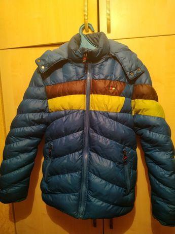 Продам: куртка зимняя 42р, - 300гр. В отличном состоянии.