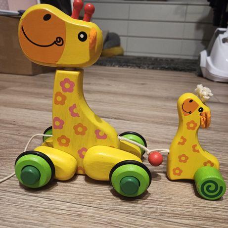 Drewniana żyrafka z dzieckiem