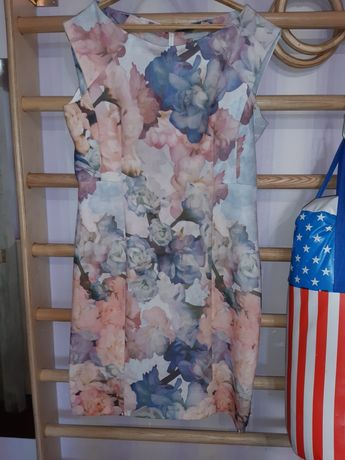 Шикарное платье нарядное 48-50