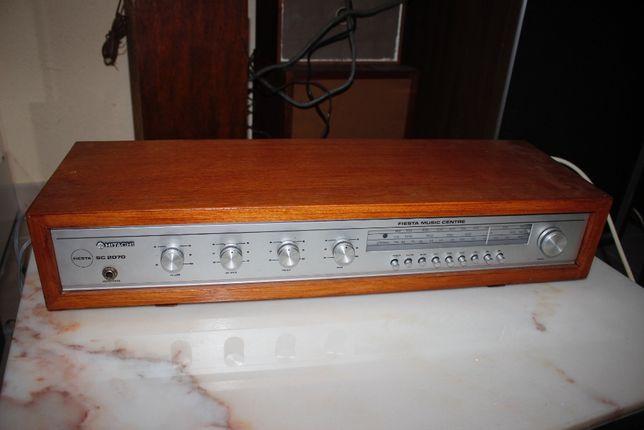 Radio Antigo - Vintage - Hitachi Fiesta SC 2070 - A funcionar