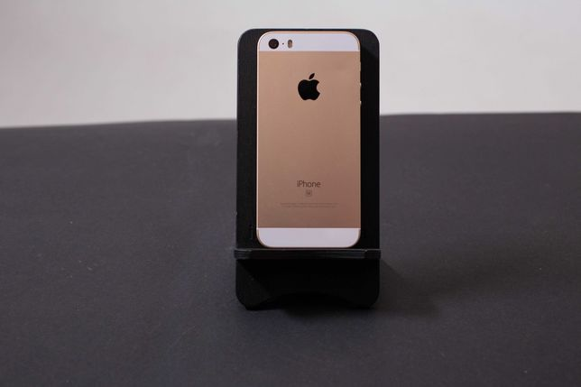 iPhone 5s/SE 16/32/64GB Rose Gold (купити/айфон/смартфон/телефон)