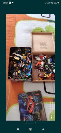 Legos da LEGO e outras marcas.